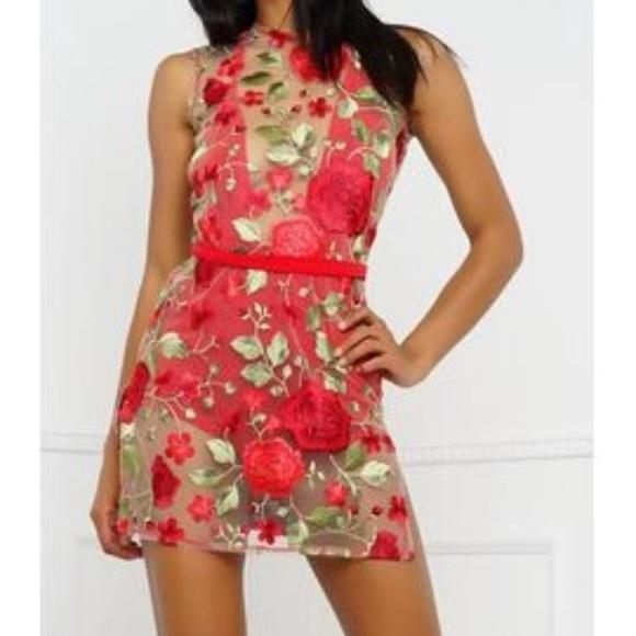 Dresses & Skirts - Red Floral Mini Dress 🌹
